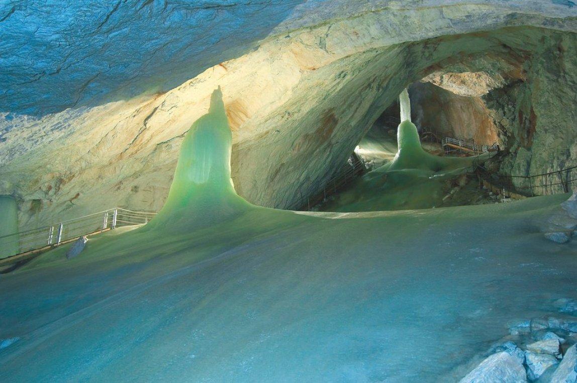 Fotogalerie: Největší ledová jeskyně na světě patří mezi poklady rakouských Alp